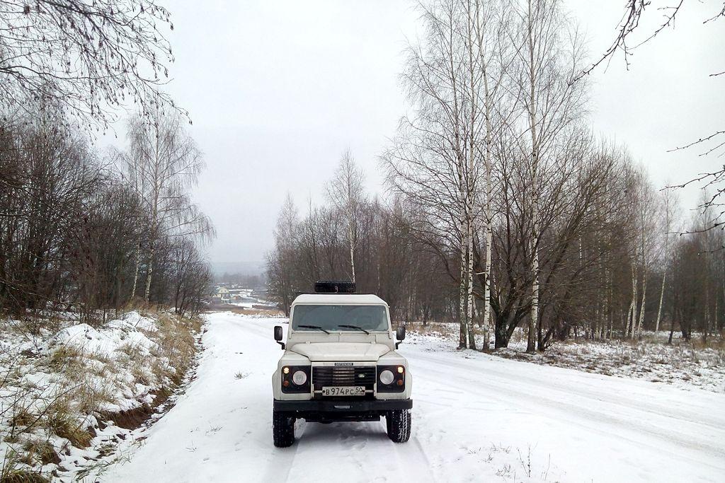 Mobile Ham radio station RA3DAK/M Vladimir region RDA VL-13 near the village Zhelnino RAFA HGZ9. Land Rover Defender 300TDI. MFJ, HF STICK, W/WHIP, MOBILE ANTENNA.